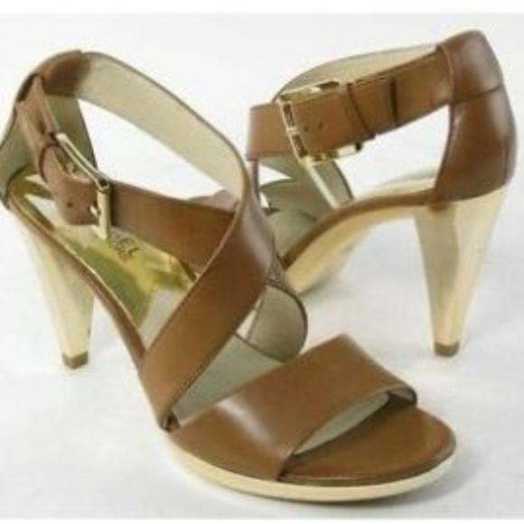Michael Kors Shoes - Michael Kors Violet Cross Strap Sandal 6M